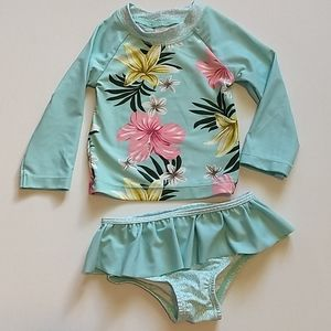 Carter's 🌺 Swimsuit 🌼 9 months